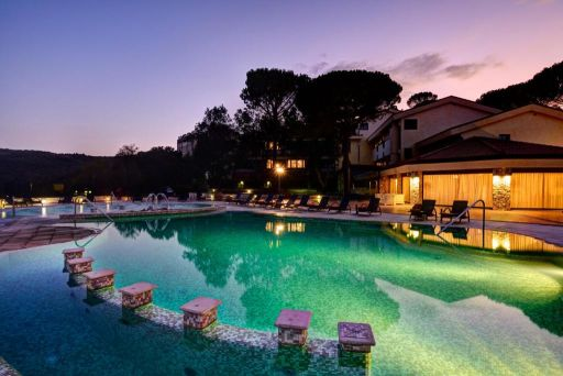 Benessere e relax in splendido Resort&Spa 5* nel senese!