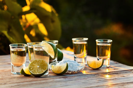 All-you-can-drink Tequila Zug in Mexiko!
