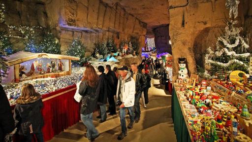 Proef de kerstsfeer in de grotten van Valkenburg