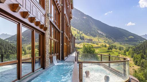 🏔  Hotelazo 5* con spa para los amantes de la montaña