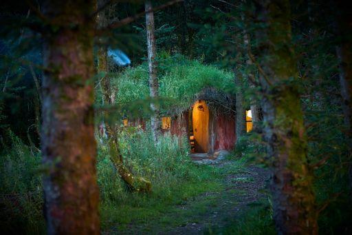 Leśny domek hobbitów w Walii!