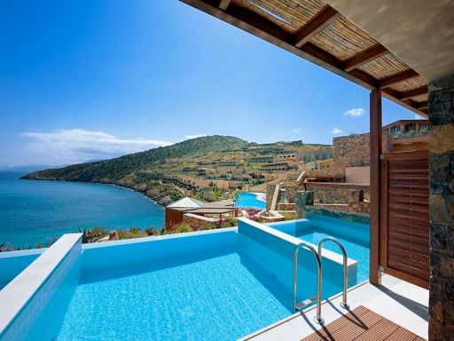 Crete 2022: luxurious 5* week w/flights, half-board AND a sea-view private pool