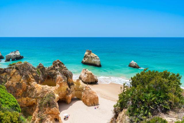 holidays-in-portugal-header