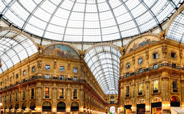 Shoppingcenter in Mailand, Italien
