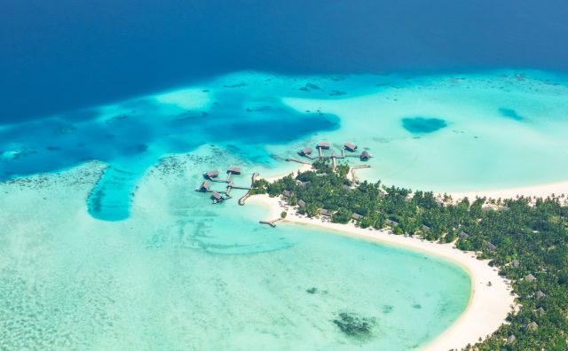 Luftaufnahme vom Raa Atoll,  Malediven