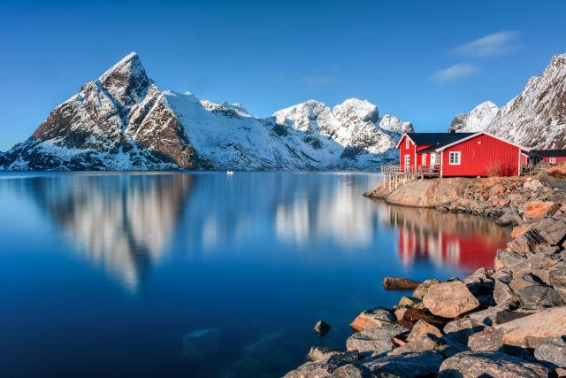 Winter in Olenilsoya in Reine, Lofoten, Norwegen