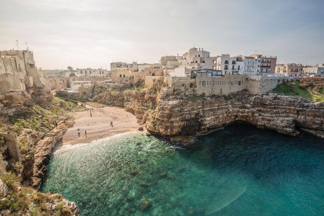 Apulia, Azure, Body of water