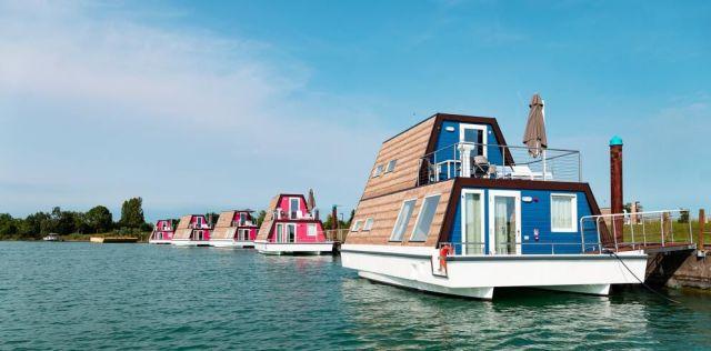 Luxe woonboot bij Marina Azzurra Resort in Italië