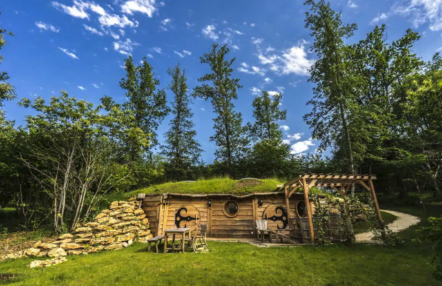 airbnb, France, Hobbit House