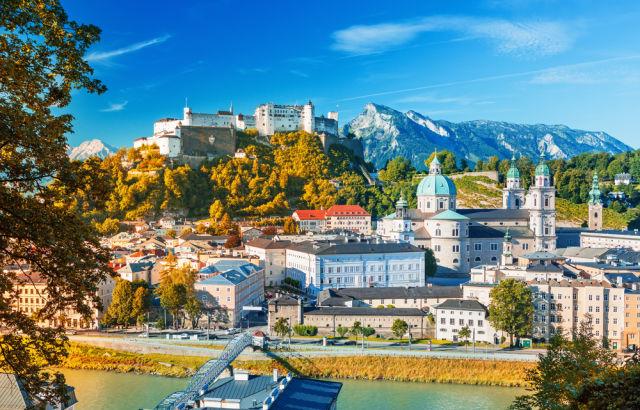 Festung Hohensalzburg im Sommer in Salzburg