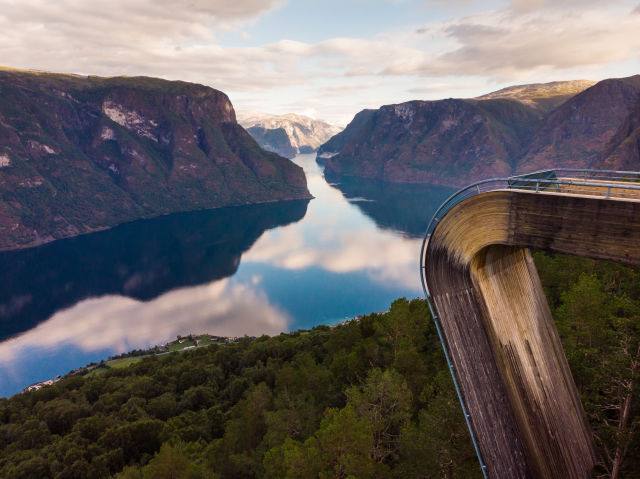 Impressions and Other Assets/norway_Stegastein_viewpoint_AdobeStock_267902321_j5gmlw