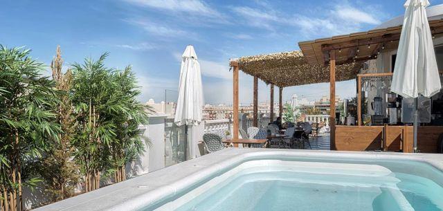 Blanq Carmen Hotel, Booking