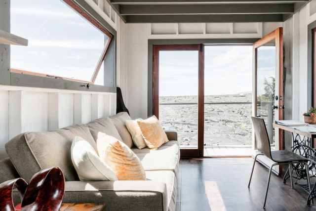airbnb, The Phoenix House-Tiny Home on Volcanic Lava Field