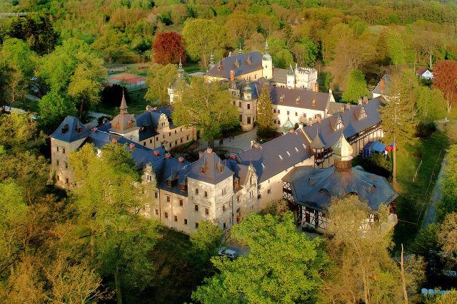 Zamek Kliczków, Triverna