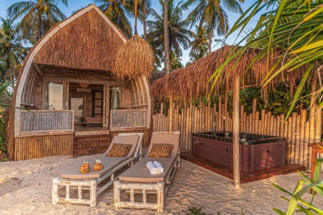 karamba hotel, booking.com