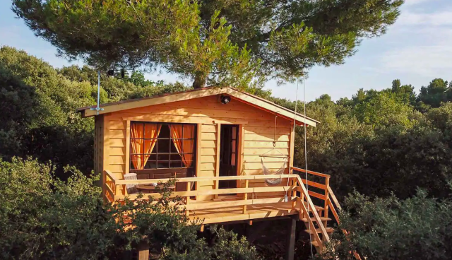 la cabane dans les arbres au coeur d'un vignoble, airbnb