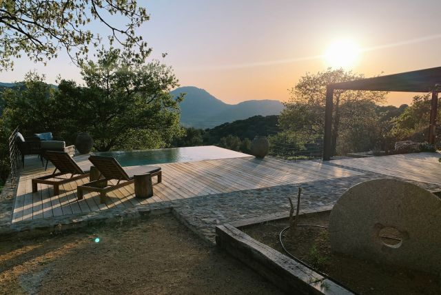 airbnb, Corsica, Partner